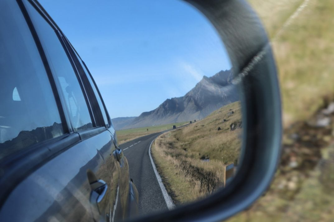 Choosing the Right Rear Mirror for Your Car